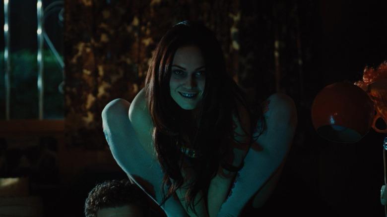 FREE HORROR jennifers-body-1626804367 40 Best Horror Movies On Hulu [July 2021]
