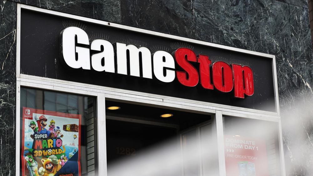 Gamestop storefront
