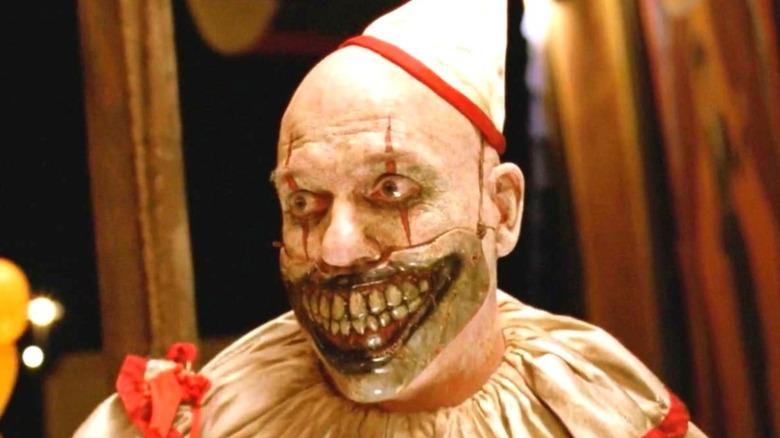 "Sarah Paulson as Bette and Dot Tattler in ""American Horror Story: Freak Show"""