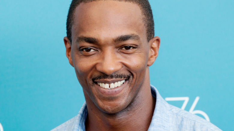 Anthony Mackie smiling on the red carpet