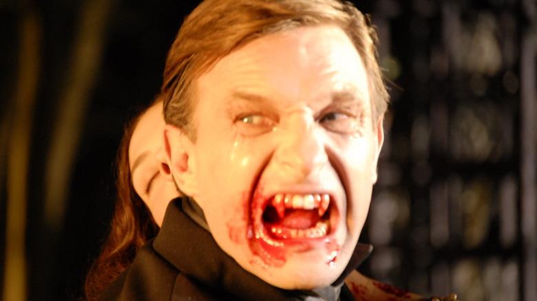 Dracula drinks in 3D