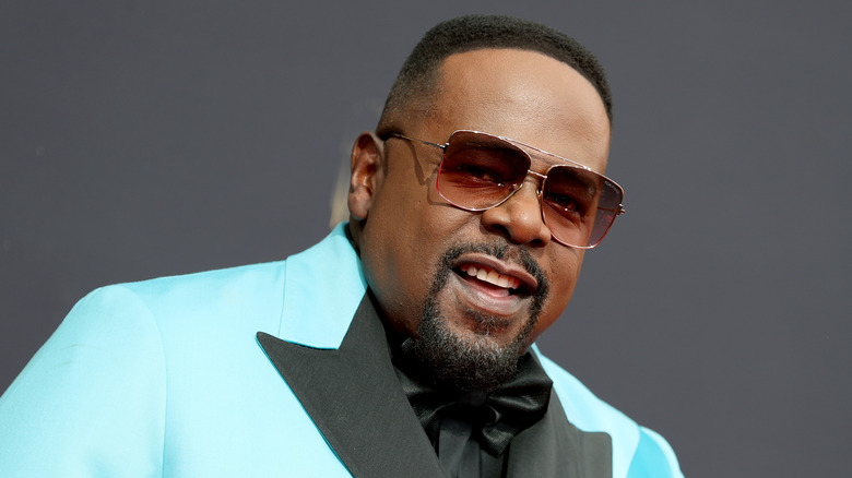 Cedric the Entertainer smiling at Emmys 2021