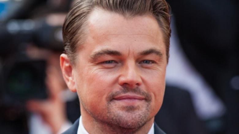 Leonardo DiCaprio posing at event