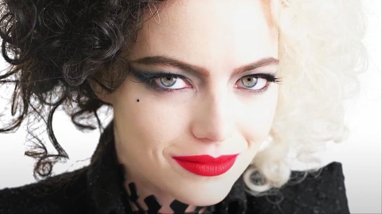 Emma closeup as cruella