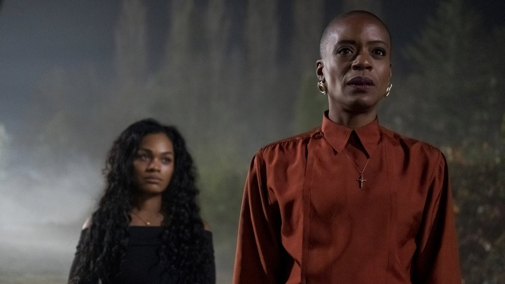 Tahirah Sharif and T'Nia Miller as Rebecca Jessel and Hannah Grose in Haunting of Bly Manor