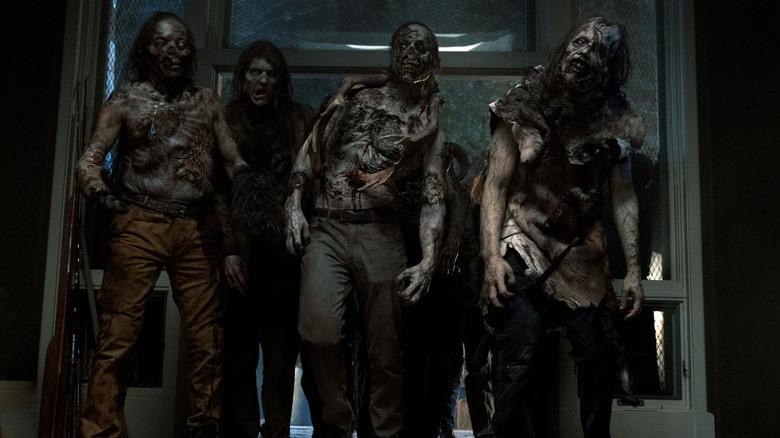 Taxidermy zombies on Fear the Walking Dead