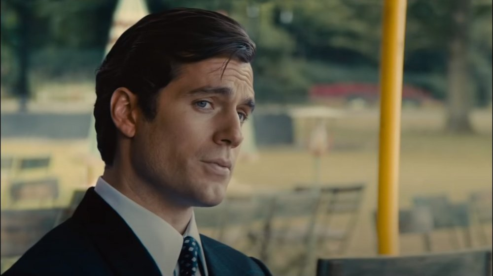 Henry Cavill in The Man from U.N.C.L.E. looking like James Bond