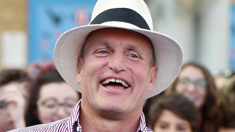 Woody Harrelson in a white hat