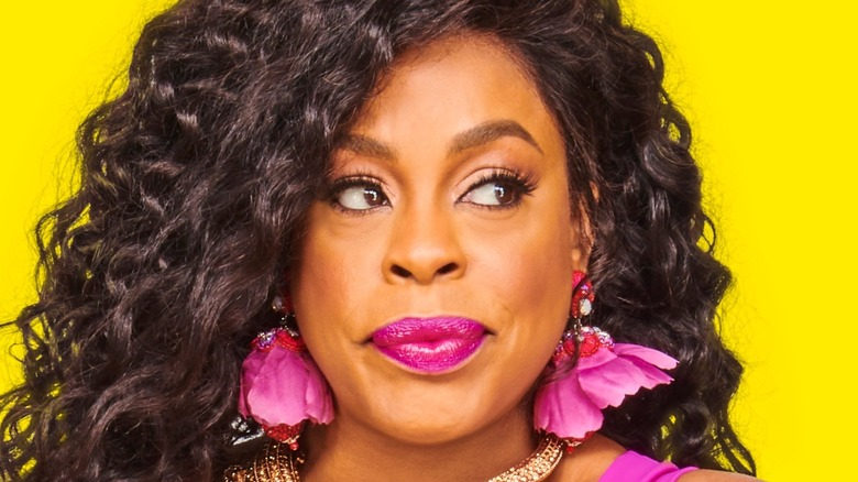Niecy Nash in promo for Claws