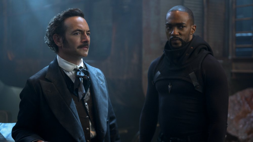 Chris Conner as Poe and Anthony Mackie as Takeshi Kovacs on Altered Carbon