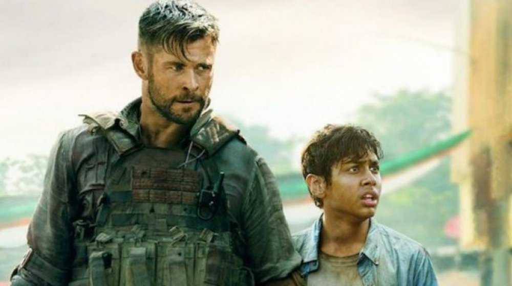 Chris Hemsworth and Rudhraksh Jaiswal in Netflix's Extraction