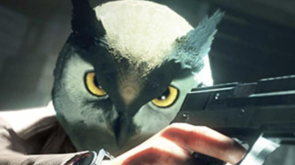 Operative in owl mask