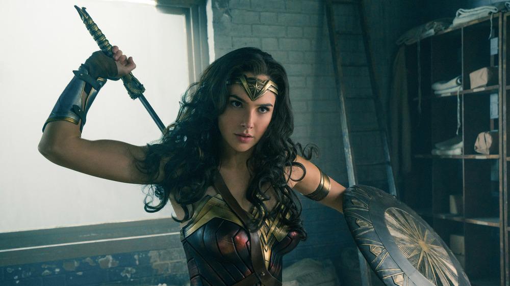 Wonder Woman fighting