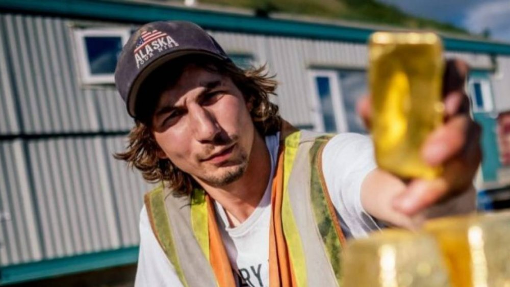 Parker Schnabel counts his gold on Discovery's Gold Rush