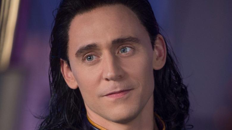 Tom Hiddleston Loki grinning