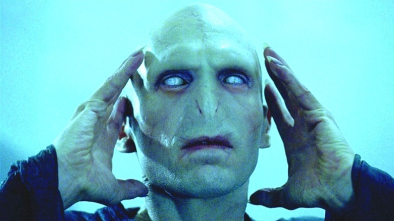 Voldemort grasping his head