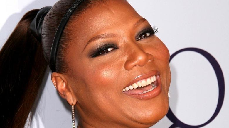 Queen Latifah smiling