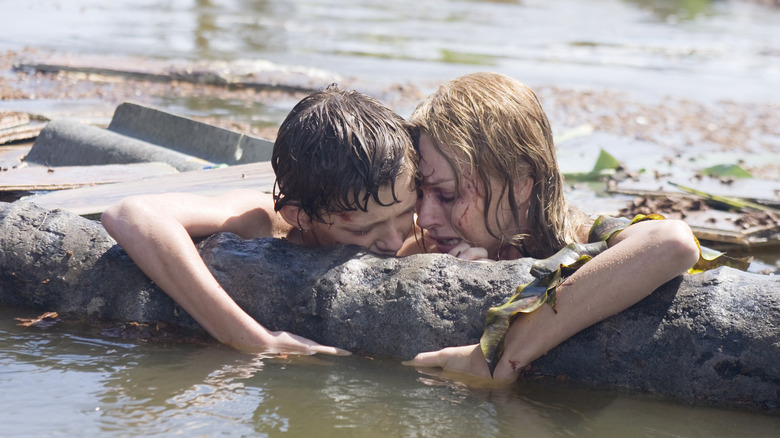 Tom Holland and Naomi Watts in The Impossible