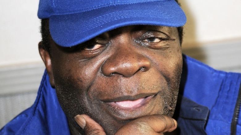 Yaphet Kotto blue jacket hat