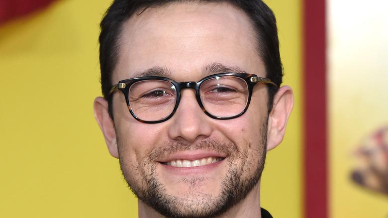 Joseph Gordon-Levitt smiling with glasses