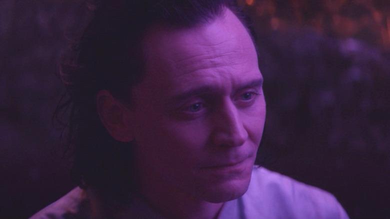 Loki Lamentis pink light