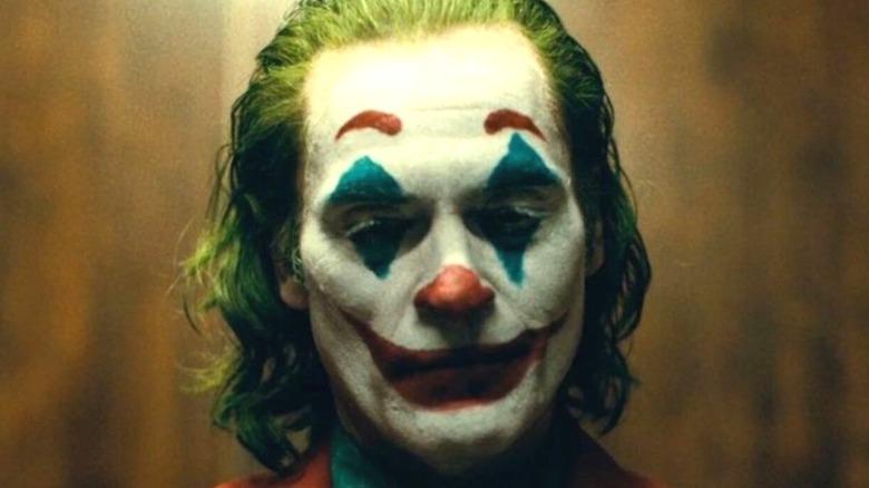 Arthur Fleck becomes Joker