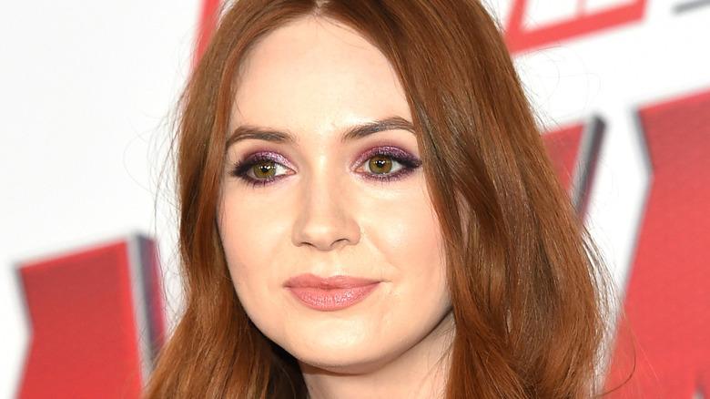 Karen Gillan wearing purple eyeshadow