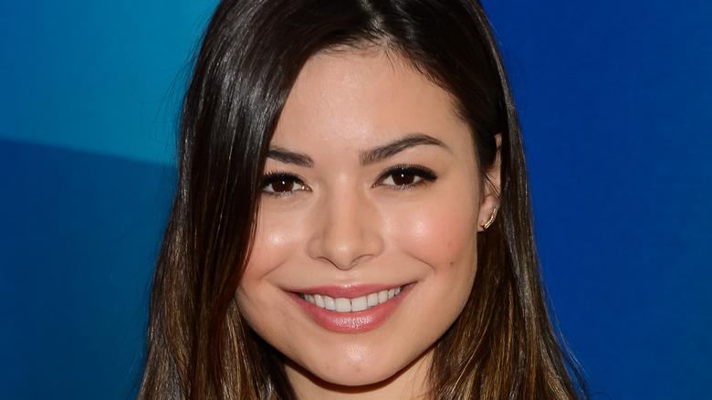 Miranda Cosgrove smiling