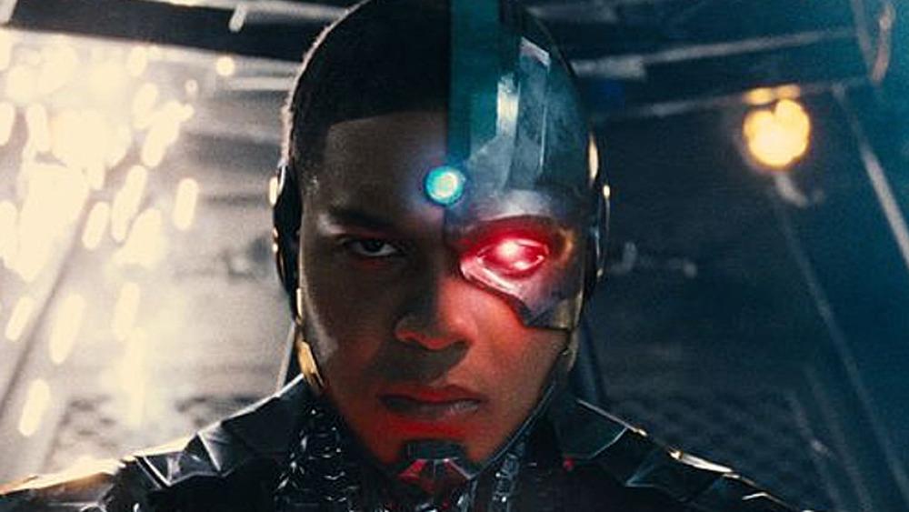 Ray Fisher Cyborg glowing eye