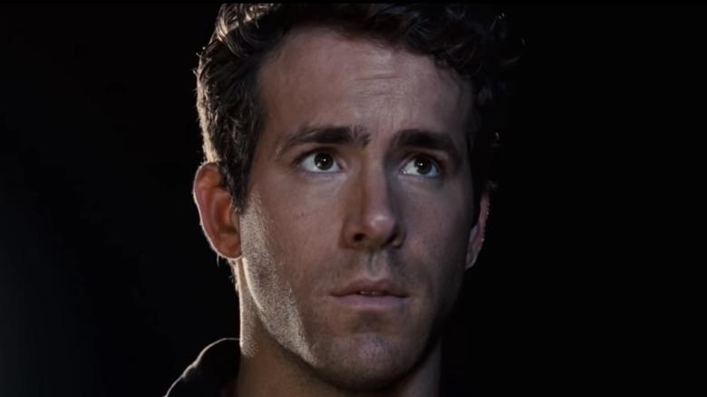Ryan Reynolds Hal Jordan gazing