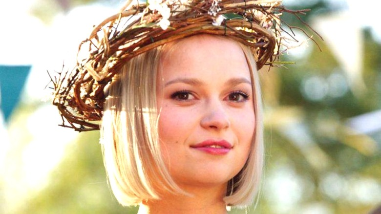 Amber wearing a stick crown The A List