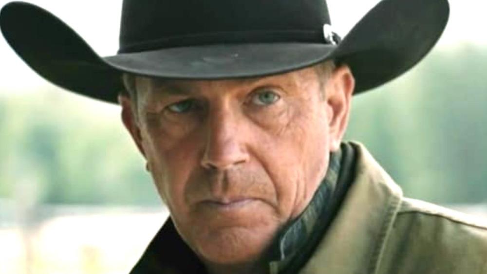 Kevin Costner black cowboy hat