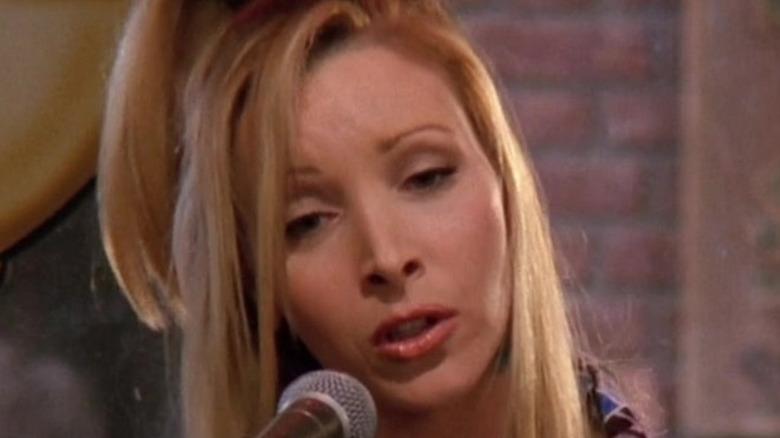 Phoebe Buffay singing into mic