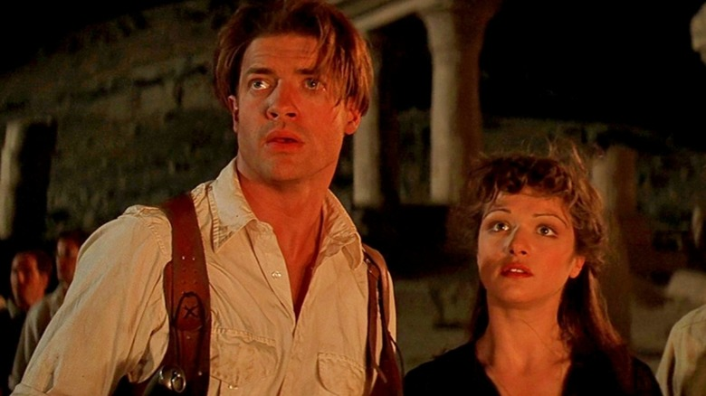 Brendan Fraser as Rick O'Connell and Rachel Weisz as Evelyn O'Connell in The Mummy
