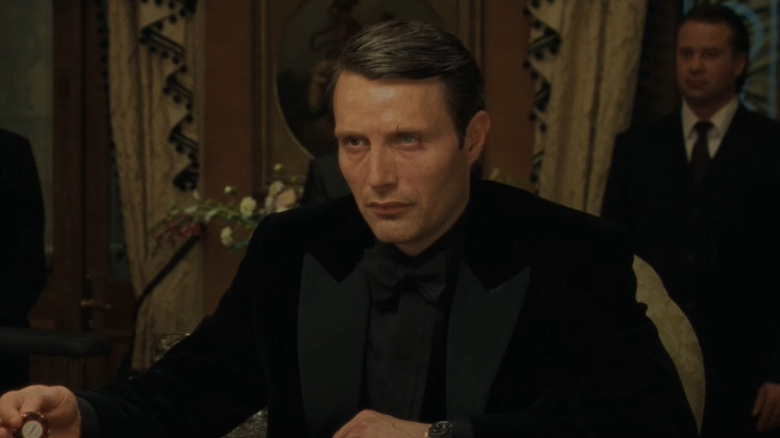 Le Chiffre playing poker