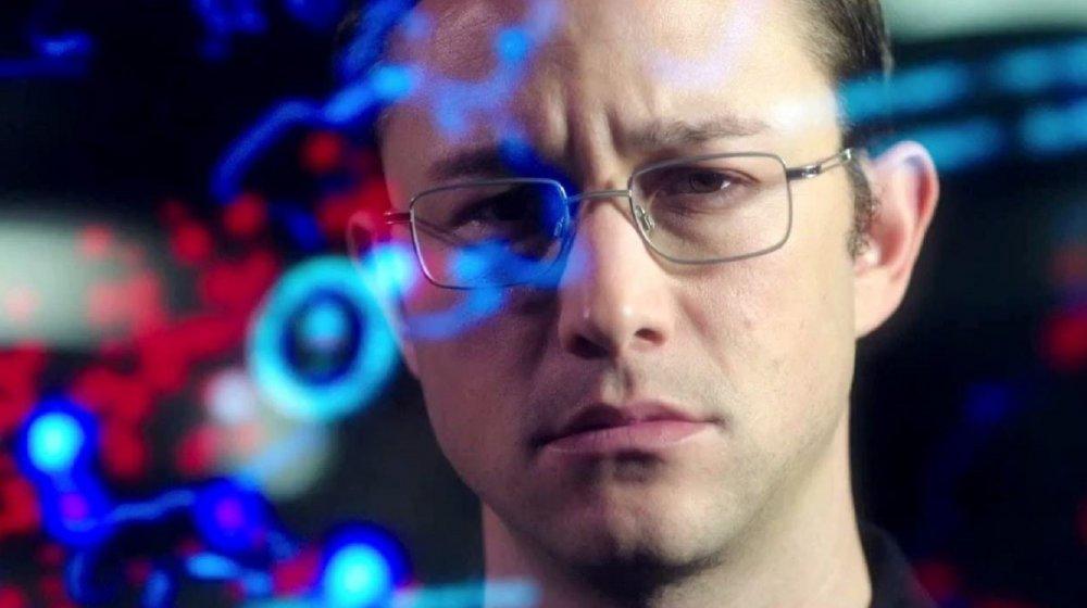 Joseph Gordon-Levitt as Edward Snowden in Snowden