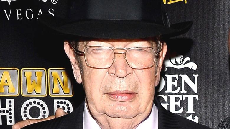 Richard Harris glasses hat