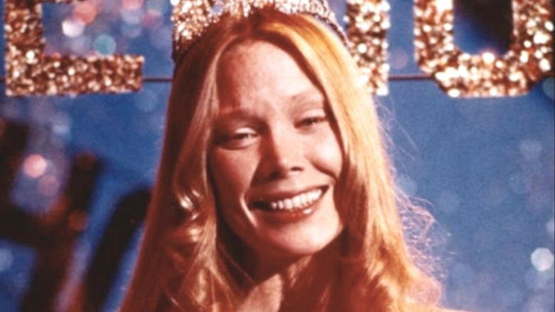 Carrie as prom queen