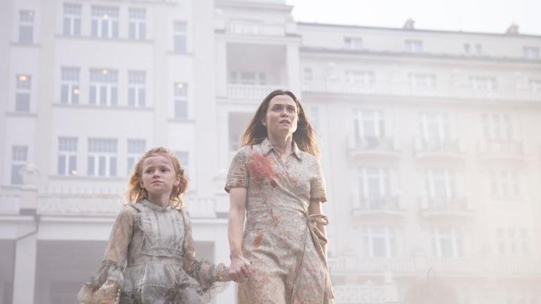 Gitte Witt and Tuva Olivia Remman in Cadaver
