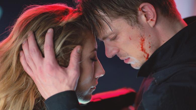 Reileen and Kovacs sad embrace