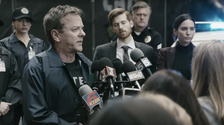 Kiefer Sutherland as Detective Clay Bryce