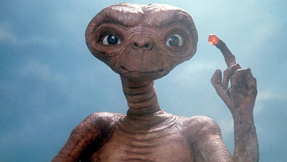 E.T. the Extra-Terrestrial promo still