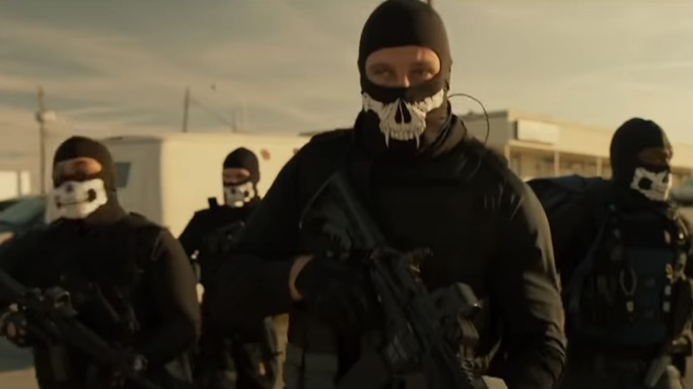 The crew getting ready for a robbery in Den of Thieves