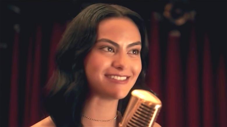 Veronica Lodge singing