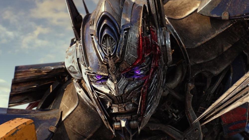 Nemesis Prime in fighting stance