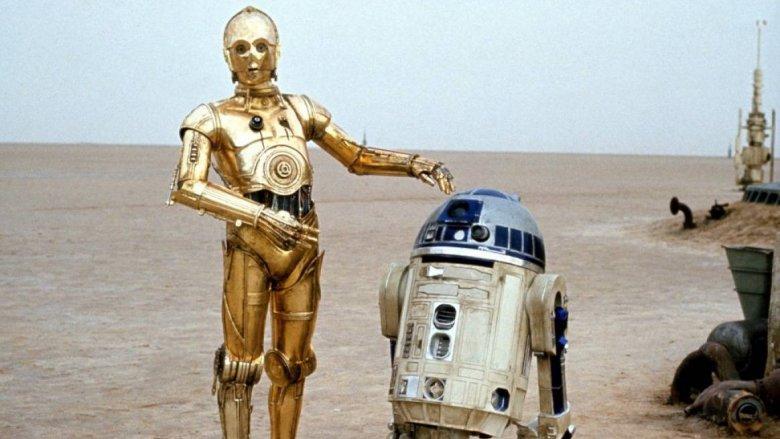 R2-D2 and C-3PO on Tatooine