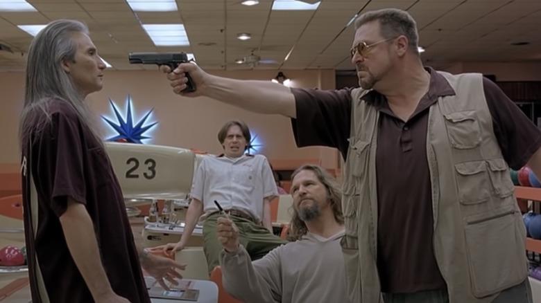Walter pulls gun in bowling alley