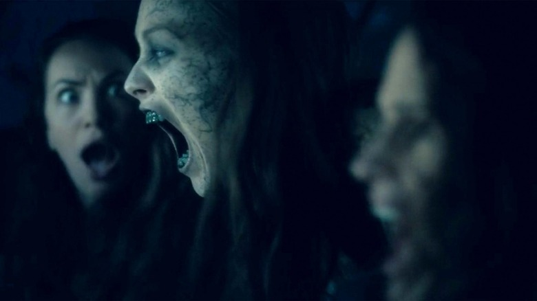 Victoria Pedretti, Kate Siegel, and Elizabeth Reaser on The Haunting of Hill House