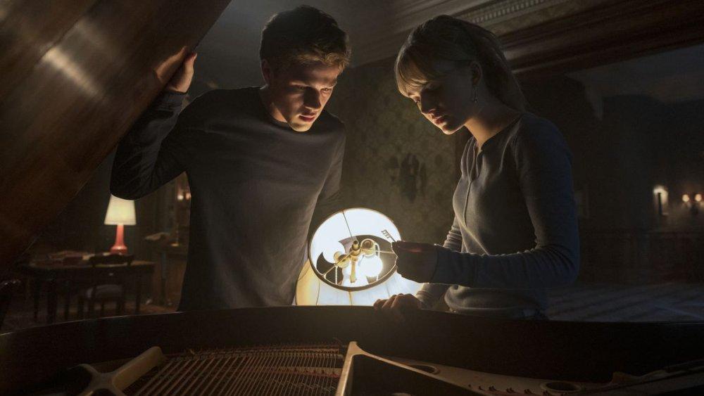 Connor Jessup and Emilia Jones in Netflix's Locke & Key