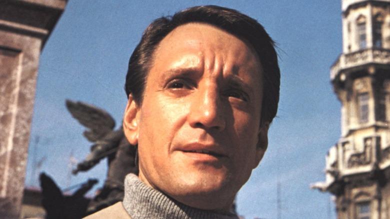 Roy Scheider looking ahead